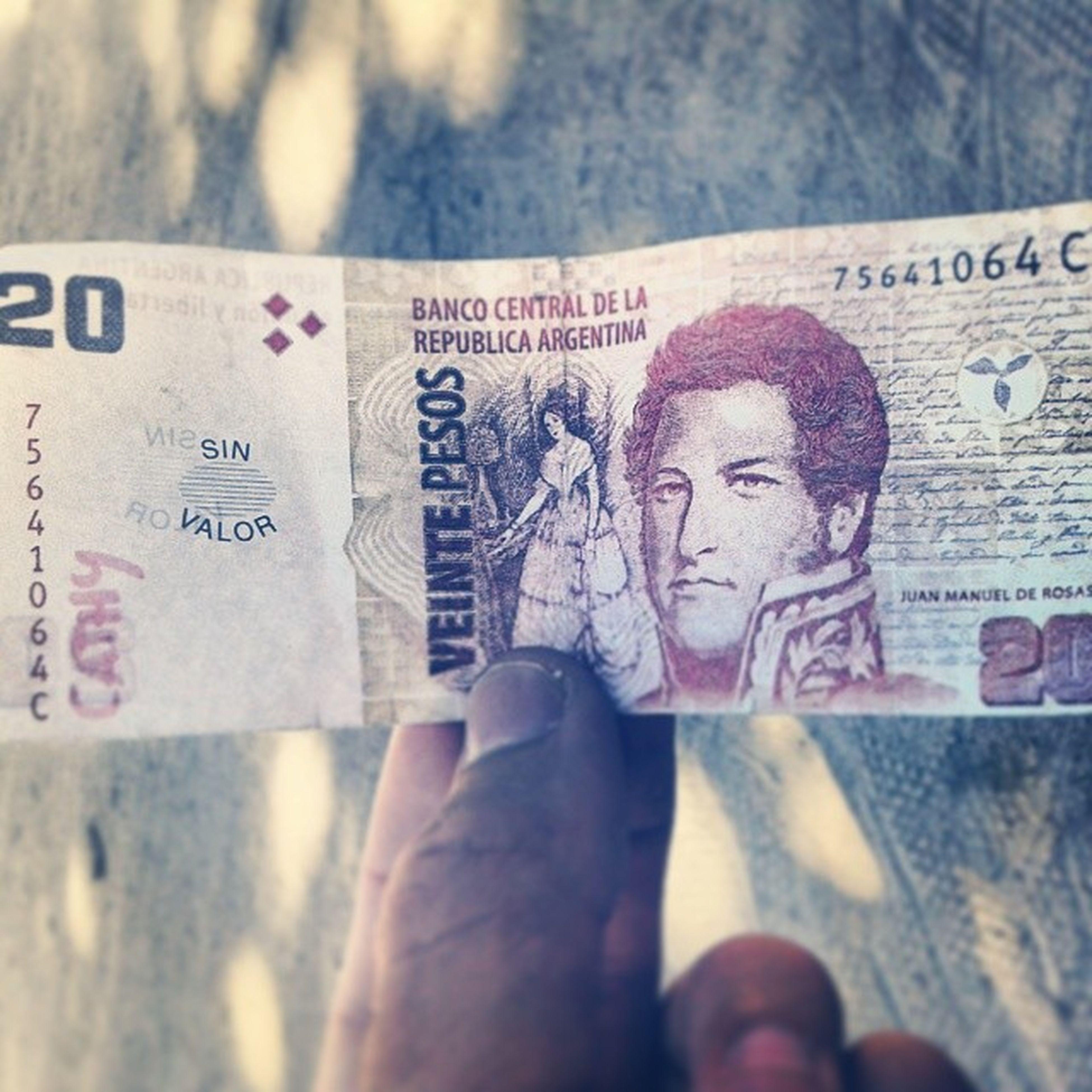 Y bueno así estamos en Argentina, es el tipo de plata que manejamos. Argentina World BazofiaDiluida