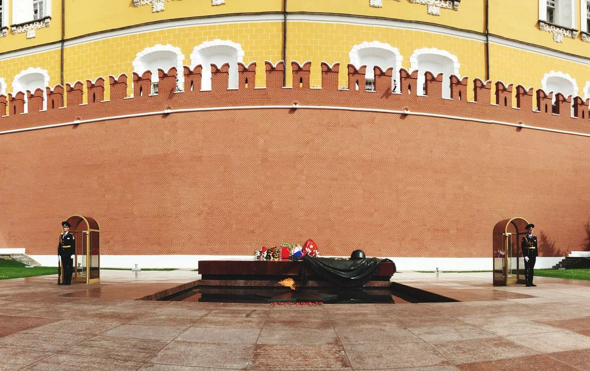 Honor Guards stand guard at the tomb of the unknown soldiers in the Kremlin Streetphotography Rus2015tc Traveling