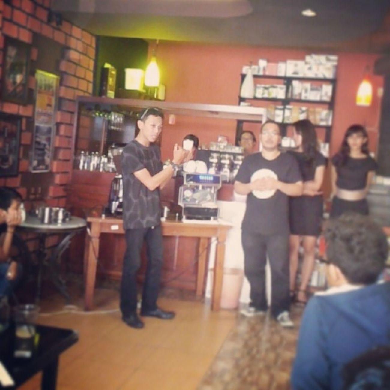 Bangga bisa sharing profesi Barista di acara Kopi Kelas at @kopiitem_coffee Regenerasi Profesi Barista Istimewa jogja