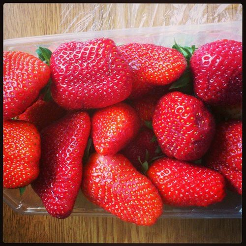 Köpte jordgubbar på torget.. Summer Feeling 2 .0