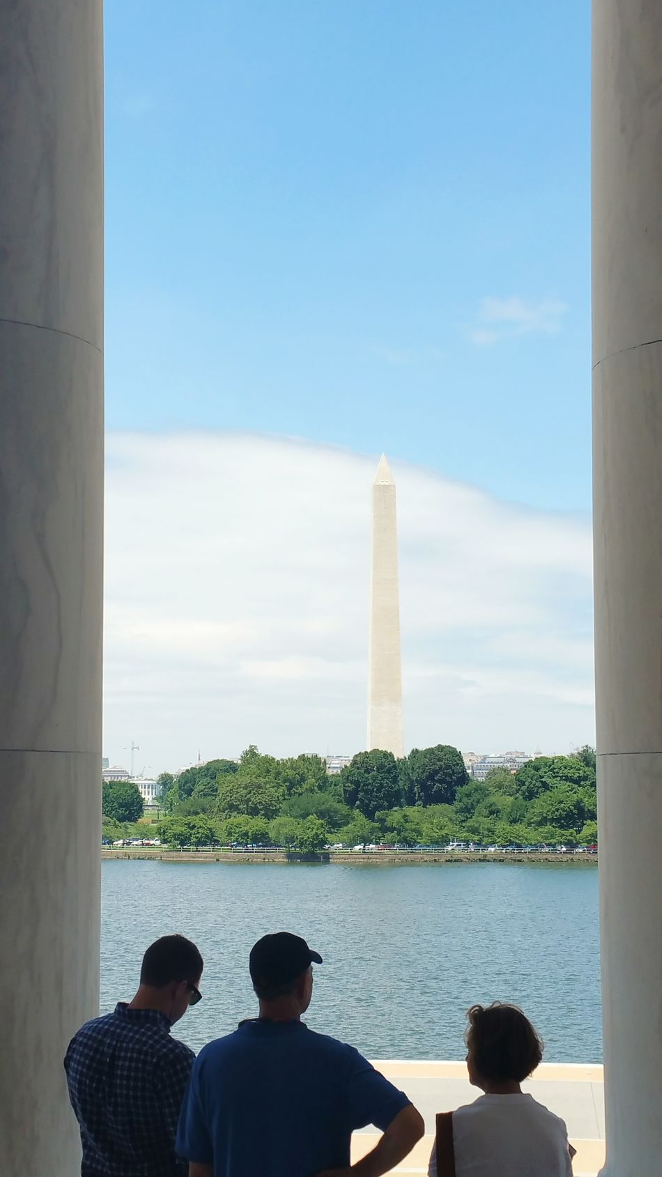 The Washington monument from inside Jefferson's monument
