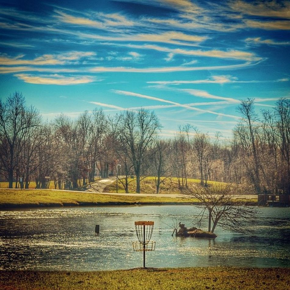 It's good to be outside!!! Discgolf Disclife Discgolfholes Discgolfersunited discgolfshoutouts discgolfbasket dgontheig onenationunderpar kentuckydg thebestofdg