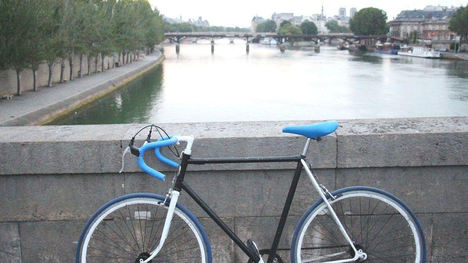 Biking in Paris, on a Bridge. Fixie Hanging Out City Landscape Sunrise Enjoying Life EyeEm Best Shots Photo Of The Day