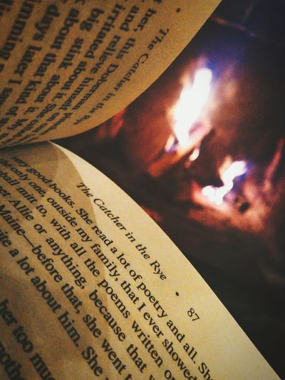 Only when it's freezing cold will you appreciate the soft embrace of the fire Book Flame Fireplace Catcherintherye Reading Reading A Book Macro Macro Photography Xiaomiphotograph Xiaomi VSCO Cam