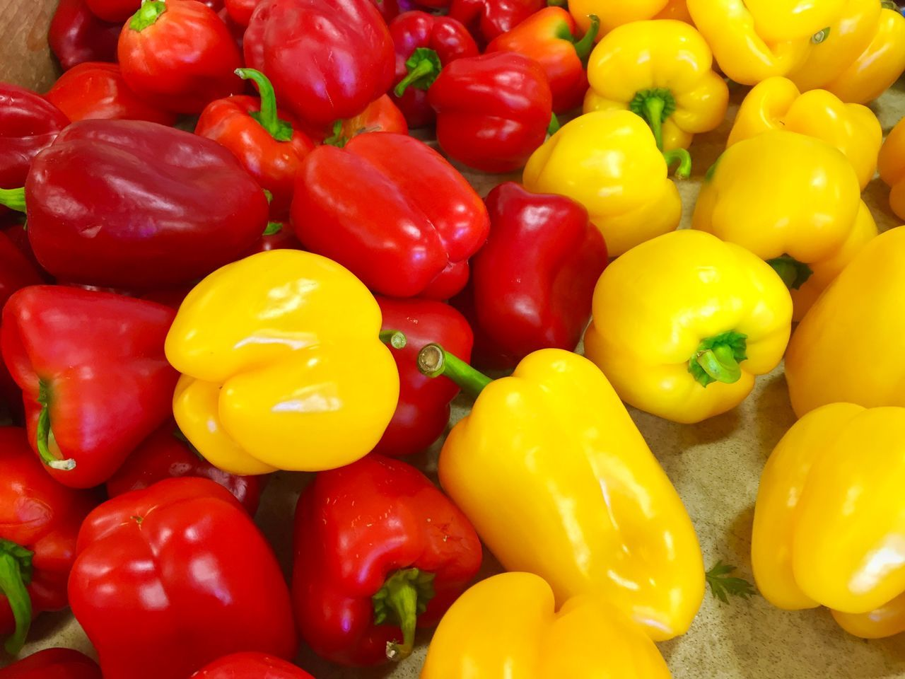 yellow bell pepper, bell pepper, red bell pepper, yellow, full frame, backgrounds, variation, green bell pepper, abundance, multi colored, vegetable, no people, large group of objects, high angle view, food and drink, red, food, healthy eating, freshness, indoors, close-up, day