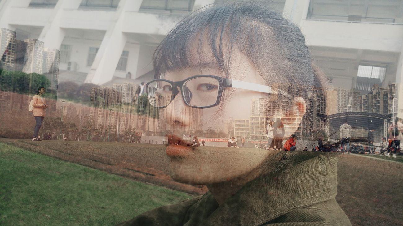 中国 China Chengdu Sichuan Province Outdoors Nice Day Nice Chinese Real People Life Day Girl Red Lips Chinese Girl People Leisure Activity Girl With Glasses Glass Shoot Your Life Shoot For Friend Friend