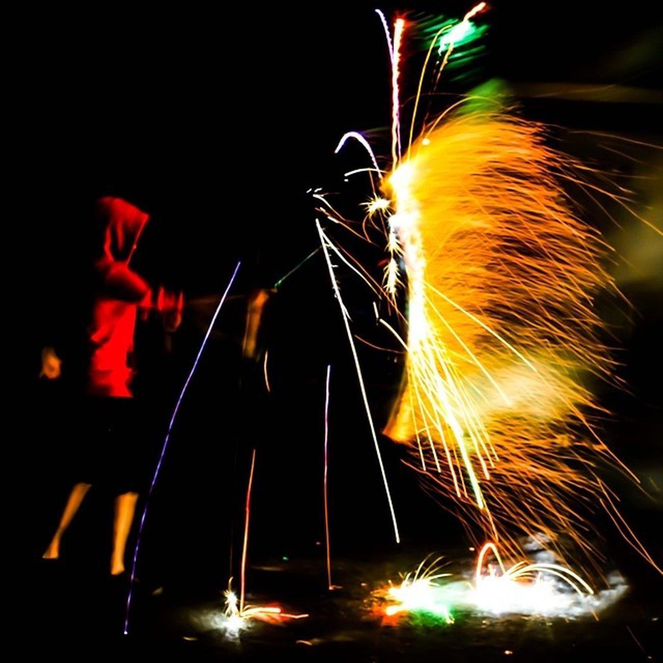 FBF  Nofilter 5dmk2 shot this like 3 yeas ago . Hope you enjoy Montebello merica murica 4thofjuly fireworks slowshutterapp
