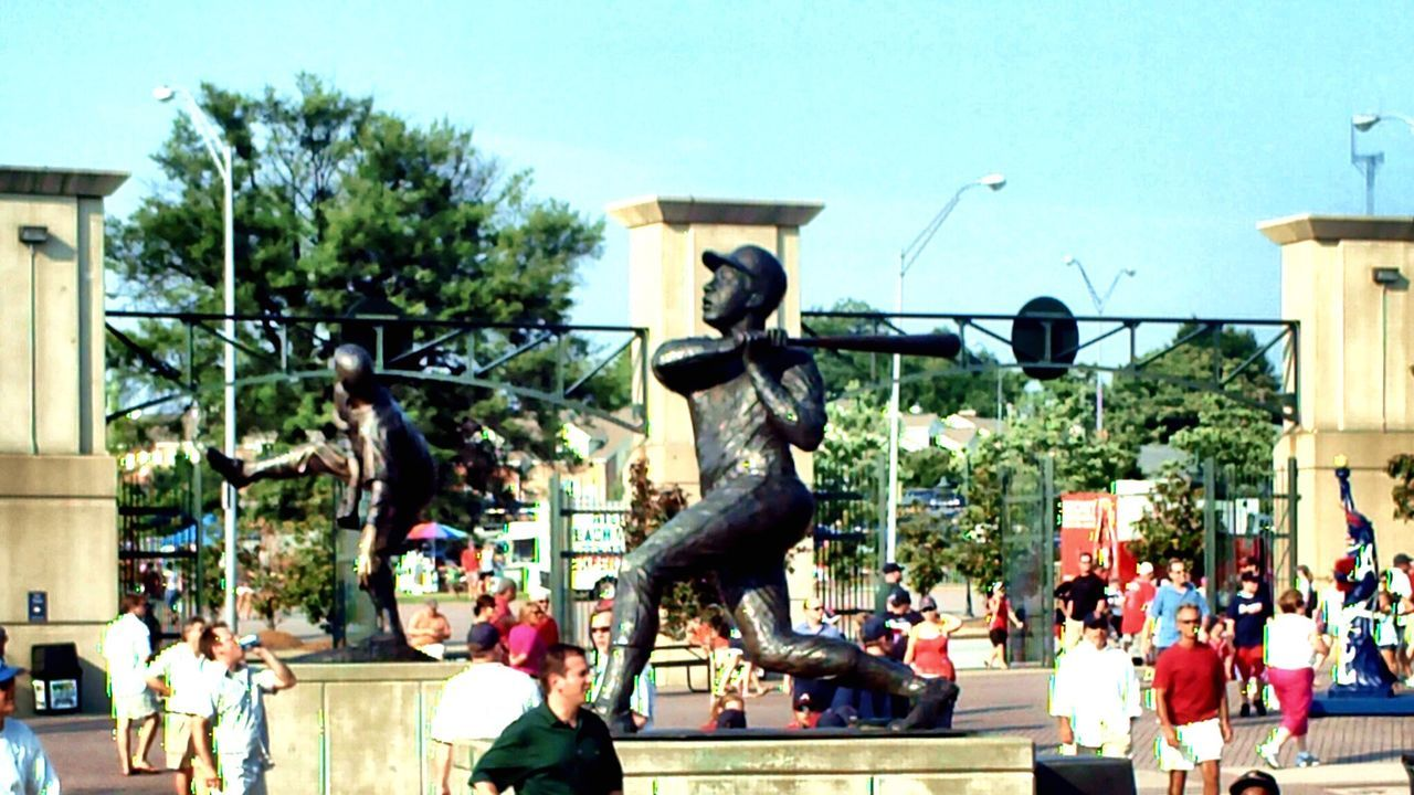 Hank Aaron Statue Turner Field Baseball Game Statue Summer Atlanta Braves Sunny EyeEm Gallery Taking Photos Georgia Atlanta Night Game Hot Summer Hall Of Fame Hammering Hank Aaron Homerun King