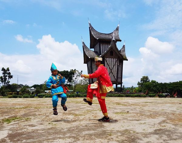Pencak Silat Martial Arts Full Length Sky Real People Cloud - Sky History Day Architecture