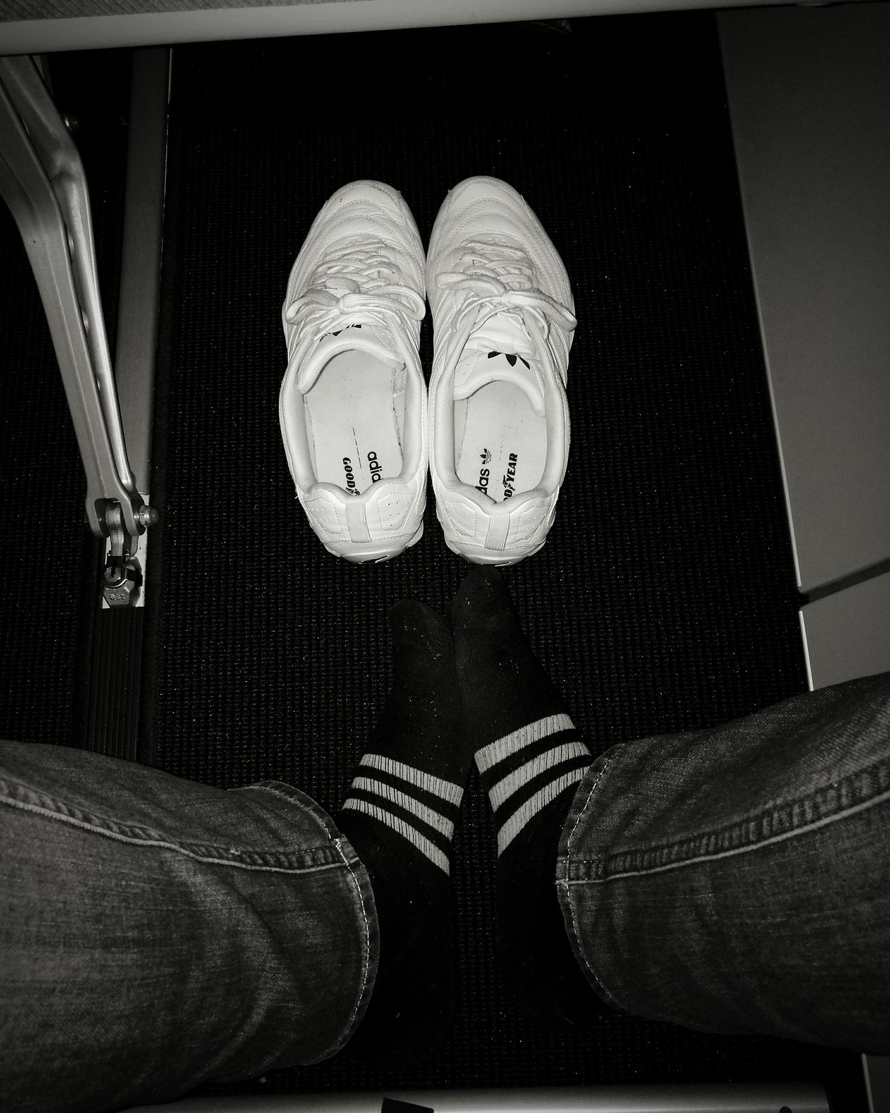 Adidas Shoe AdidasLover❤ Adidasoriginals Adidas Originals Adidas 4 Life On The Fly On The Airplane On The Air в самолете адидас кроссовки Кроссовочки