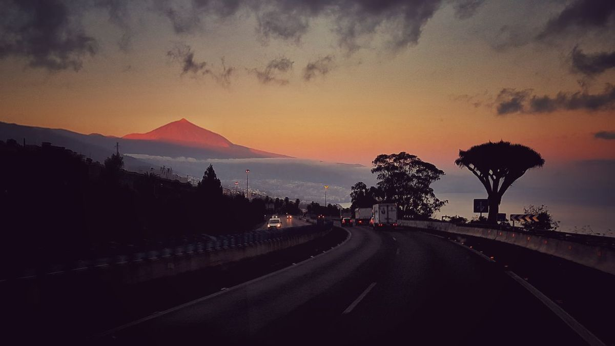 Tenerife Tenerife Island Teide Teide Volcano Sunrise Sunrise_Collection Sky Drago Relax Good Morning Amanecer Cielo Relaxing Moments Coches Tráfico Traffic