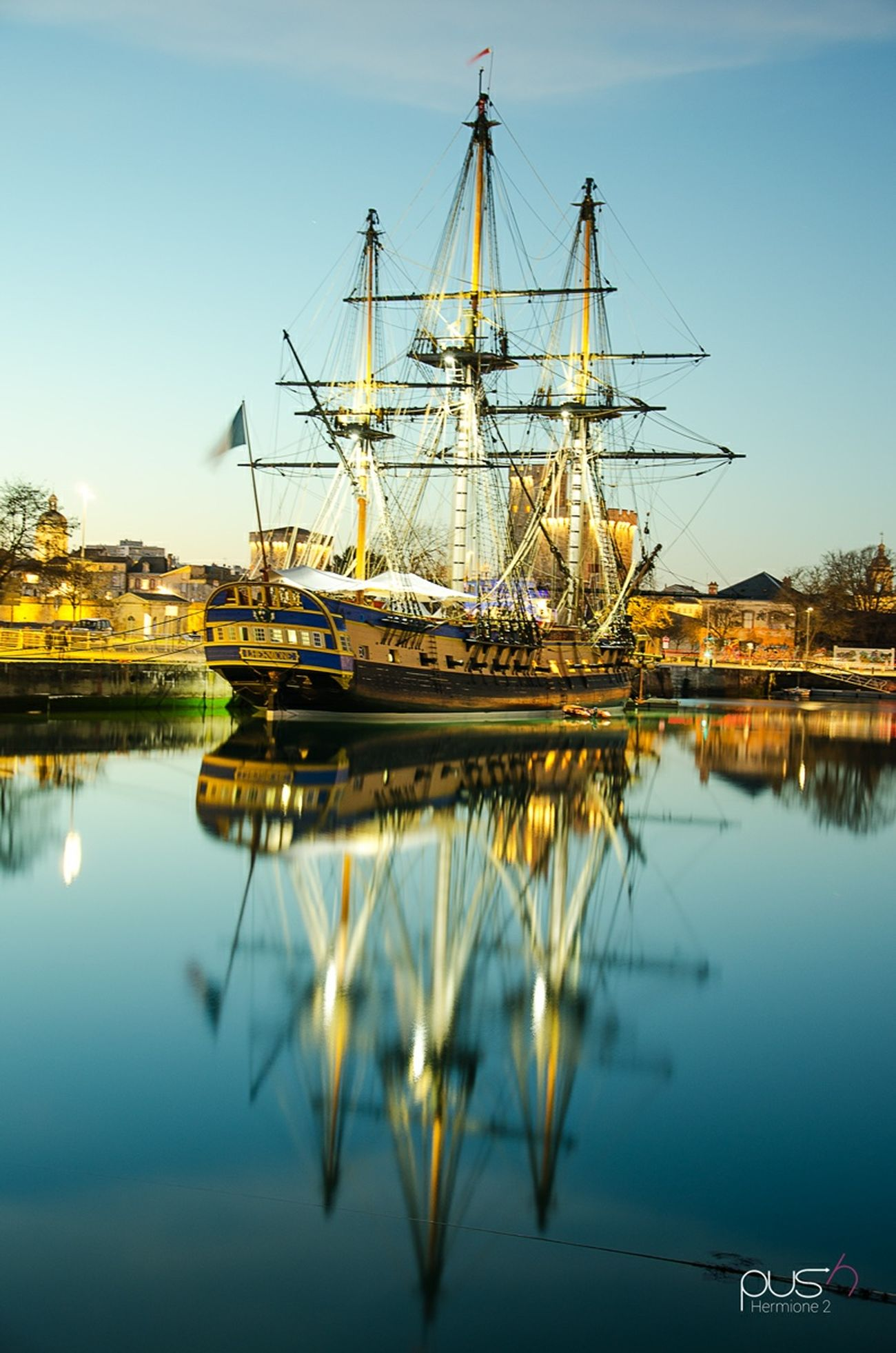 L'hermione à la rochelle Boat Fregate Frigate Hermione Sunset Night Lights Night Photography Bateau Harbor Sea