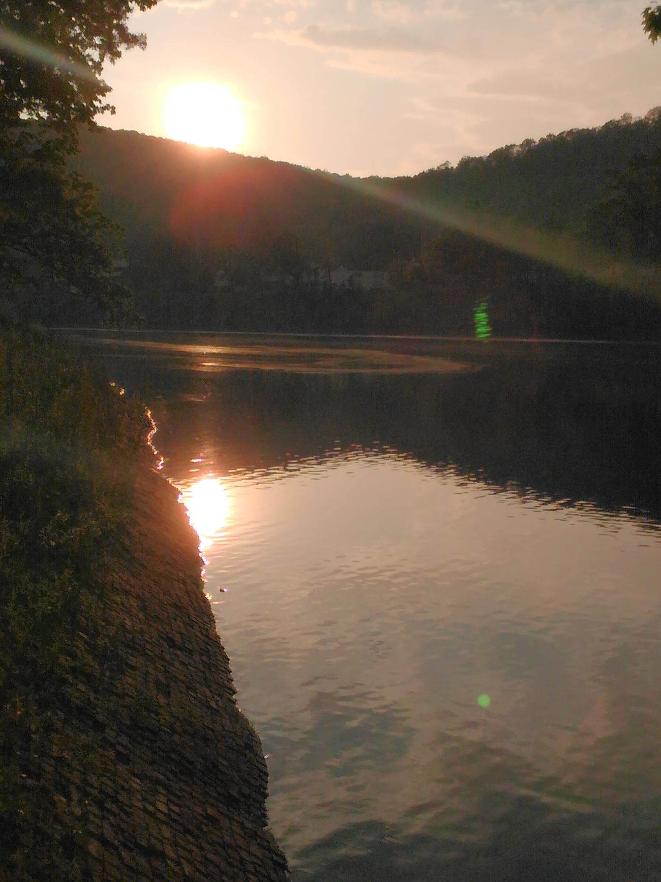 Sunset for a sat night may 28 Check This Out Sunshine Allegheny River Sunrays Sawonmyadventure Taking Photos Very Inspired By My Muse Beautiful Sunset Beautiful View
