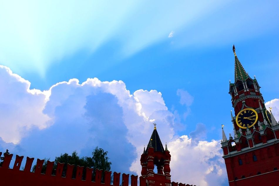 Blue Travel Destinations Architecture Building Exterior Built Structure Sky City Place Of Worship Spirituality Religion No People Outdoors Tree Cityscape Day City Gate Spasskaya Tower Moscow Cloud - Sky
