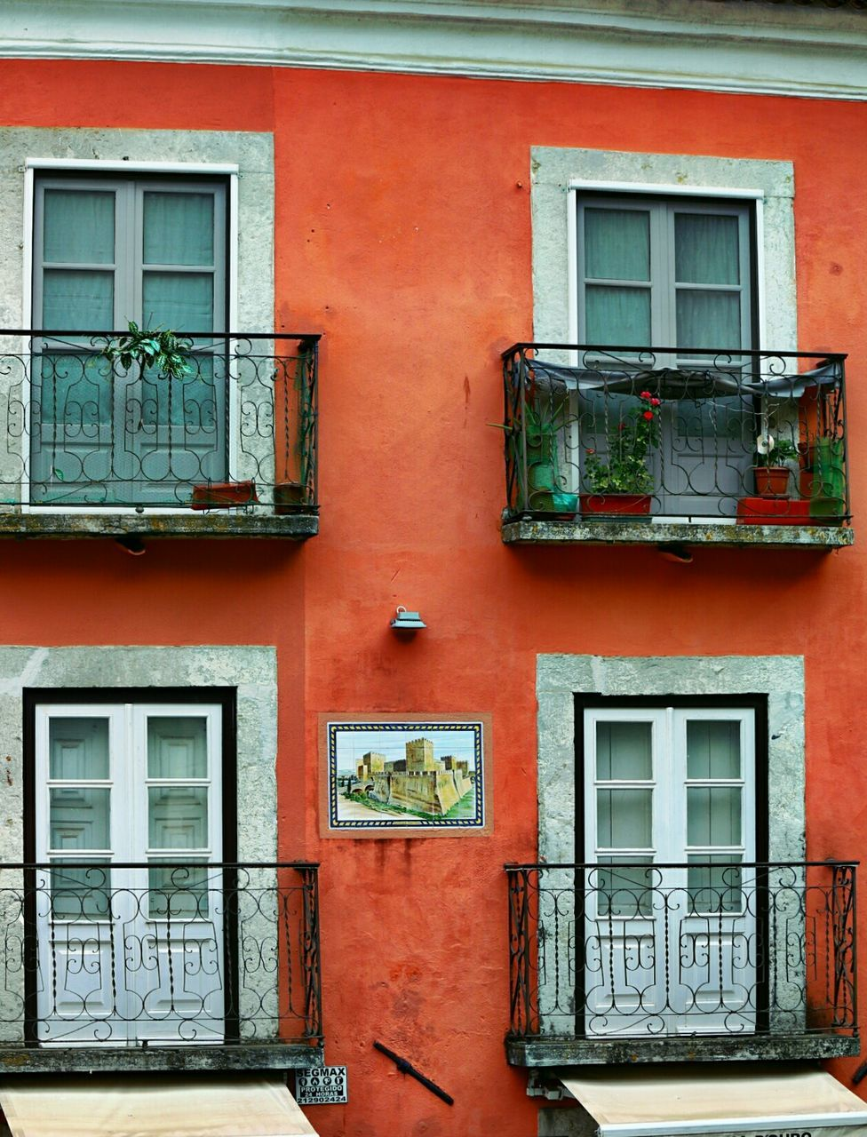 window, building exterior, architecture, built structure, door, no people, residential building, day, house, outdoors, red, window box