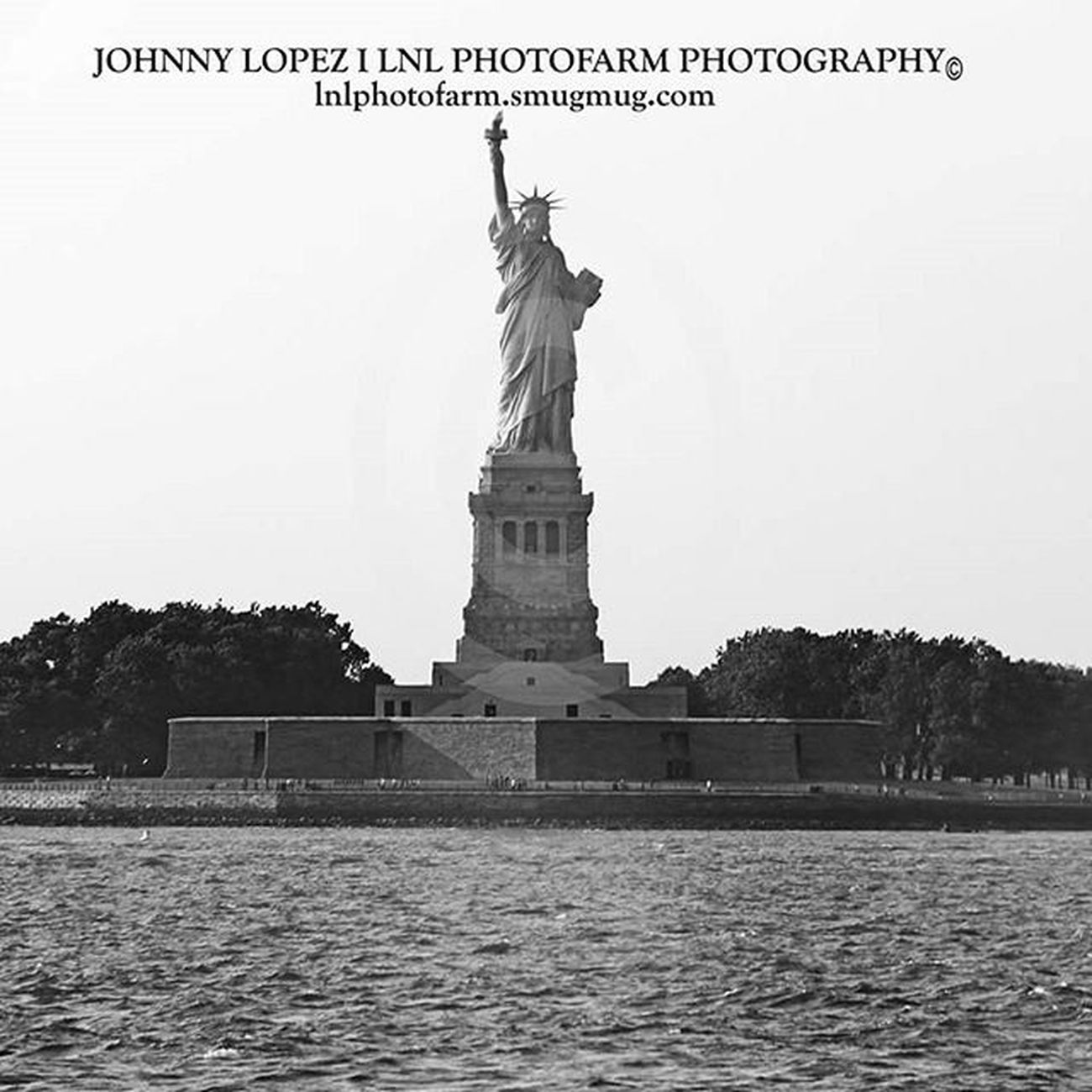 The Statue of Liberty TheStatueofLiberty Newyork New Johnnylopezthephotographer Lnlphotofarmphotography Landofthefree Street Streetphotography Streetstyle Photographer Photograph Kardashiankollection Kutv Cachevalleyphotographer USA Goprooftheday Awesome Black Like4like Likeforlike Likes Likeback Likeme HASHTAG