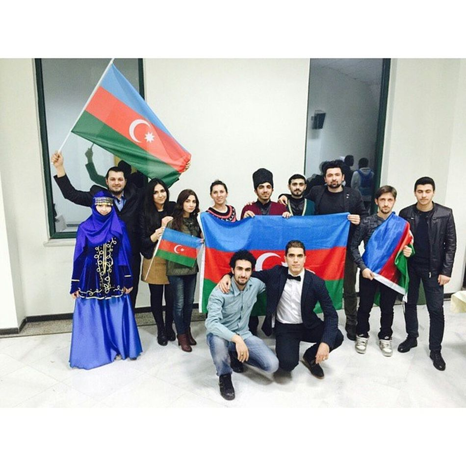 Biz Bir Ayileyiz Yaşasın Azerbaycan