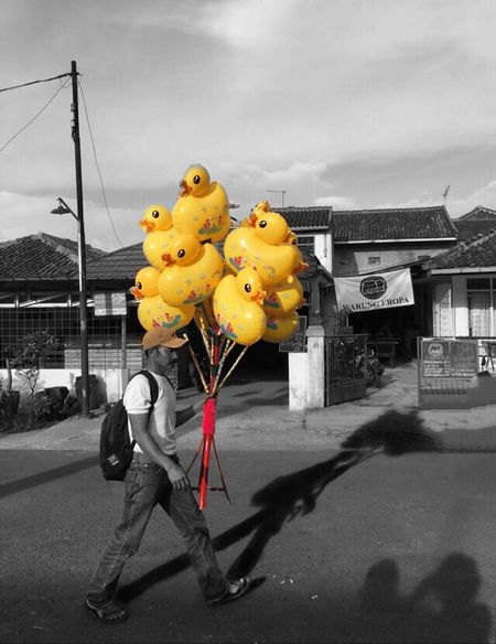 Duck Baloons People People Watching People Photography Peoplephotography Fine Art Fine Art Photography Selling Trading Vending Working EyeEm Indonesia Indonesia_photography From My Point Of View Showcase July