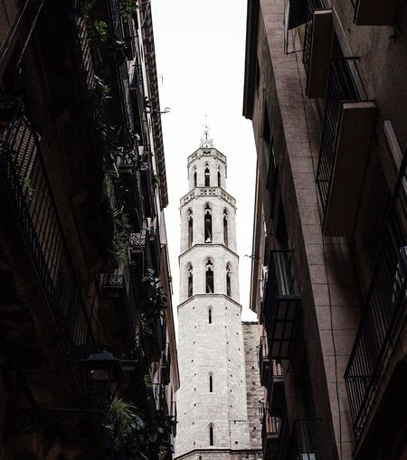 Ivory tower Architecture Architectural Column Streetphotography Street Photography Street Streetart Urban Urban Geometry Urbanphotography White Tower Shadow Light Light And Shadow Ivory Ivory Tower Barcelona SPAIN