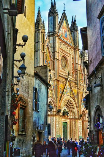 """""""Shining Centerpiece"""" - Orvieto Orvieto, Italy Photobydperry Church Architecture Church Building Exterior Built Structure Architecture Travel Destinations City Life Outdoors Streetphotography Church Italy Italia Travel"""