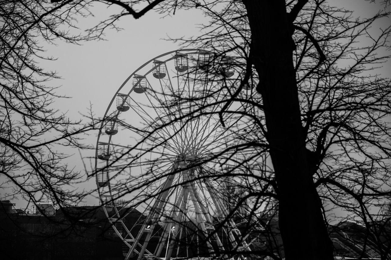 Ferris Clear Sky Big Wheel Outdoors Amusement Park Cambridge Cambridgeshire Tourism University Wheel in Cambridge