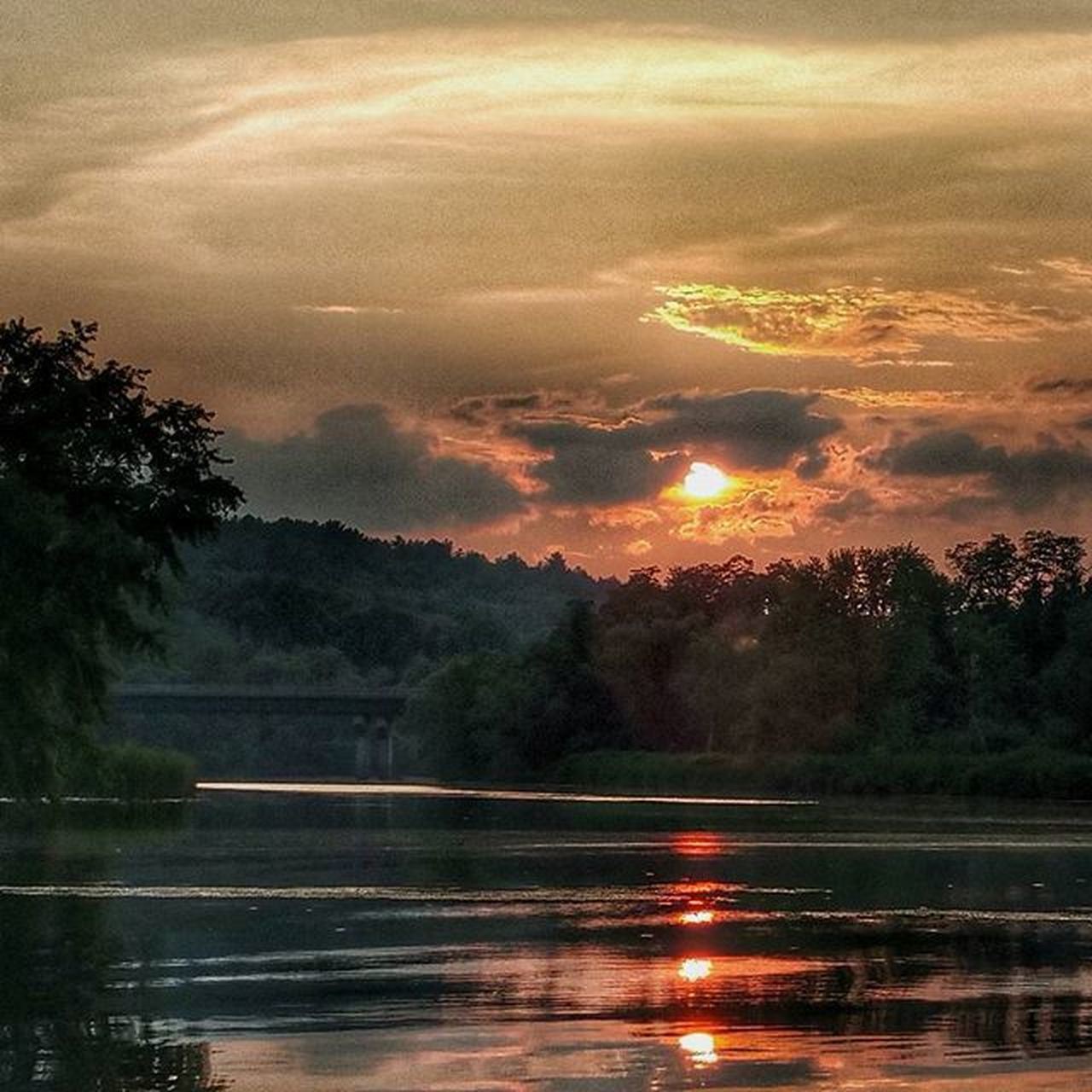 sunset, tree, reflection, beauty in nature, nature, scenics, water, sky, tranquil scene, tranquility, lake, no people, outdoors, cloud - sky, sun, day