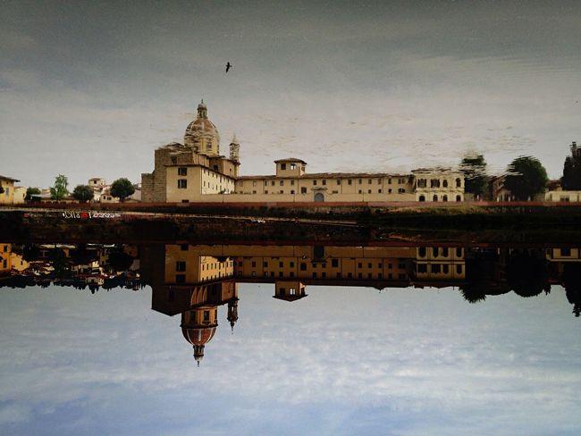 (Trouvez-le) Trompe-l'oeil. San Frediano serie n. 9 Urban Landscape IPhoneography Water Reflections The Architect - 2015 EyeEm Awards NEM Street NEM Landscapes Walking Around Florence