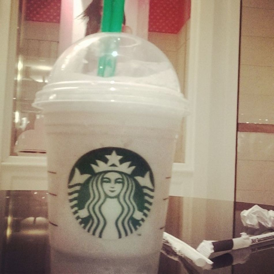 Drinking good stuff lol Starbucks Queensmall