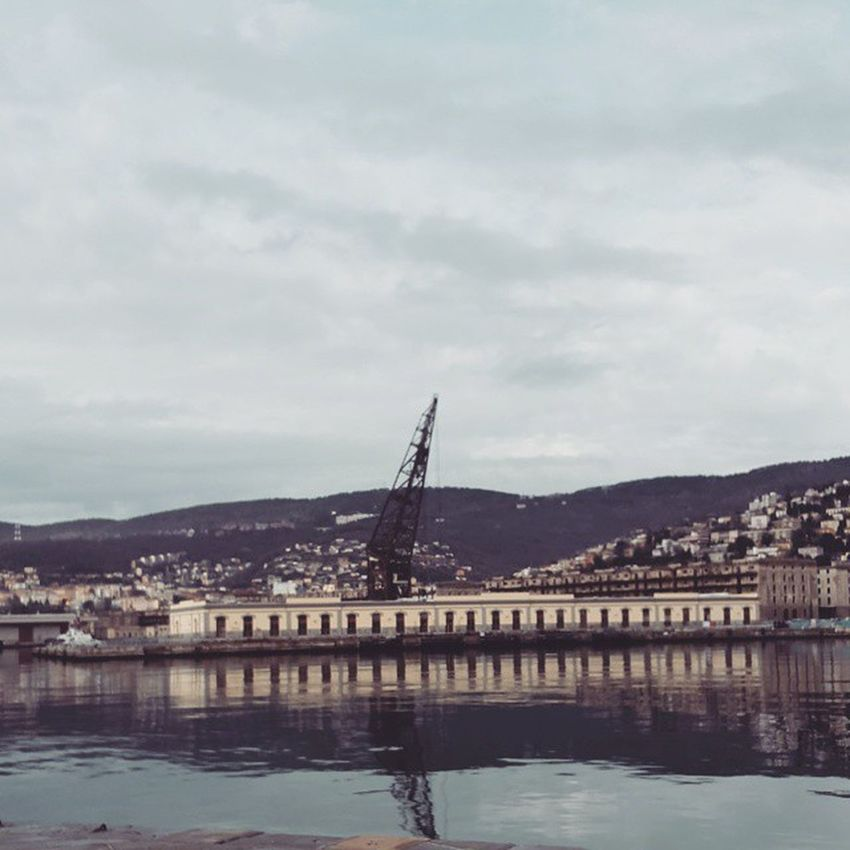 Trieste Like Ursus Docs Meer Old Haven Water Mare Pier Triestestreetlife Trieste_streetlife Port Androidography