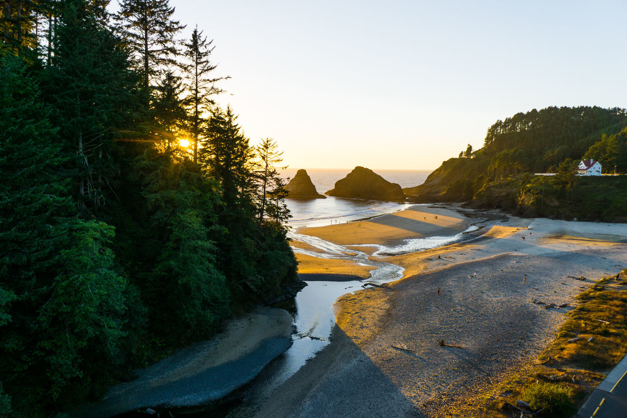 Oregon central coast, Beauty In Nature Cape Creek Bay Heceta Light House Nature Non-urban Scene Oregon Oregon Coast Outdoors People Remote Scenics Sunset Sunset_collection Tranquil Scene Tranquility Water