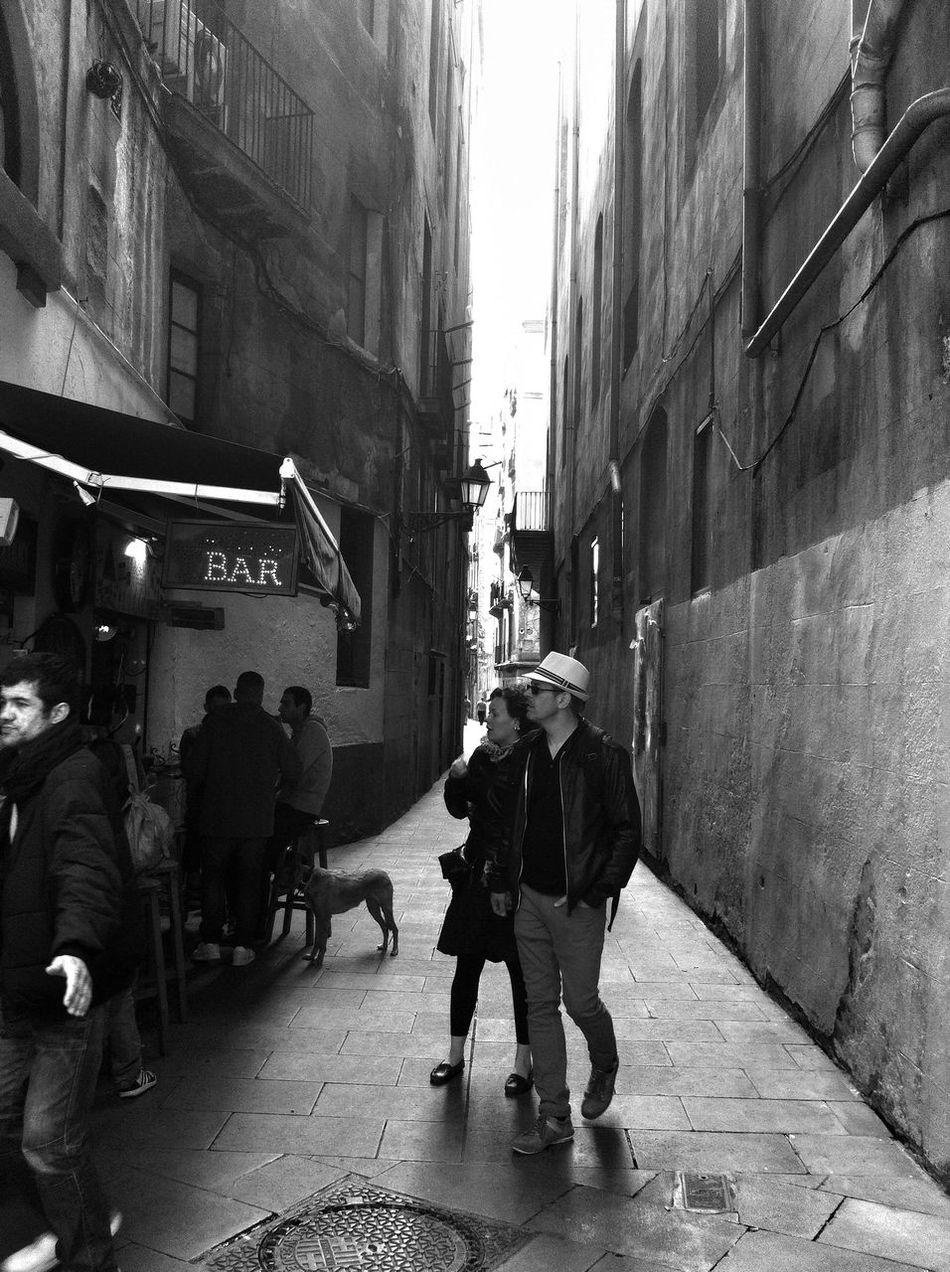 En cualquier rincón cabe un Bar. Arc del Teatre, Las Ramblas,serie. Streetphotography Streetphoto_bw Eye4blackandwhite EyeEm Best Shots - Black + White