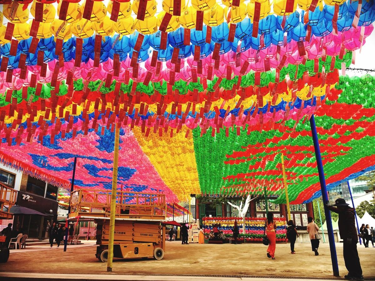 Multi Colored Incidental People Hanging Day Large Group Of People Outdoors Architecture People Adult Jongno Jogeasa Daily Life Walking City Trip ASIA Koreanstyle Korean Culture