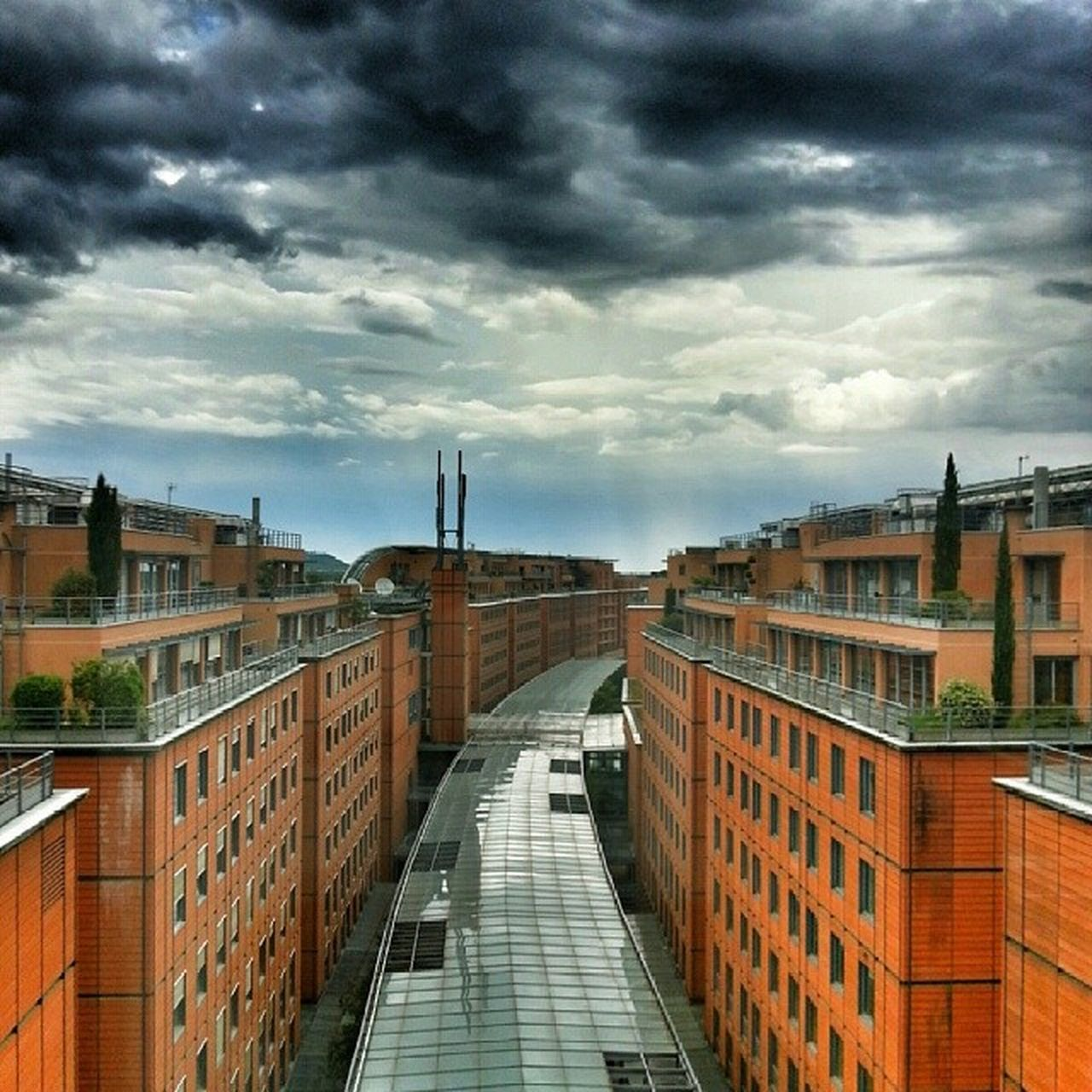 Lyon , Hiltonhotel , Cloudporn , Sky
