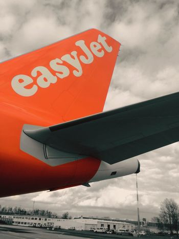 EasyJet Airbus Airbus A320 Tail Plane Planes Aircraft Airplane Airplanes Orange Color Schonefeld Schönefeld Airport Sxf Airport Boarding Berlin Germany Travel Traveling Travel Photography Travelling Flying Flight Flying High Flight ✈