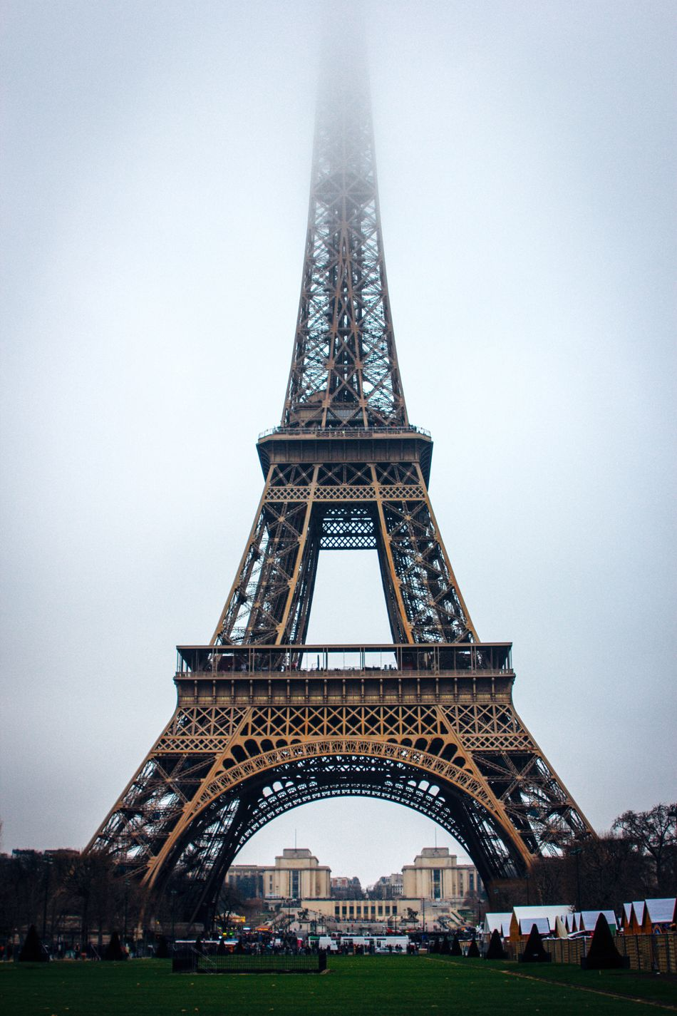 Architecture Cultures Travel Destinations Built Structure Foggy Morning Tower Tour Eiffel Paris, France  Paris EyeEm Karpetsphoto 2017 EyeEm Best Shots EyeEmBestEdits BestEyeemShots Streets City Life France Lifestyles