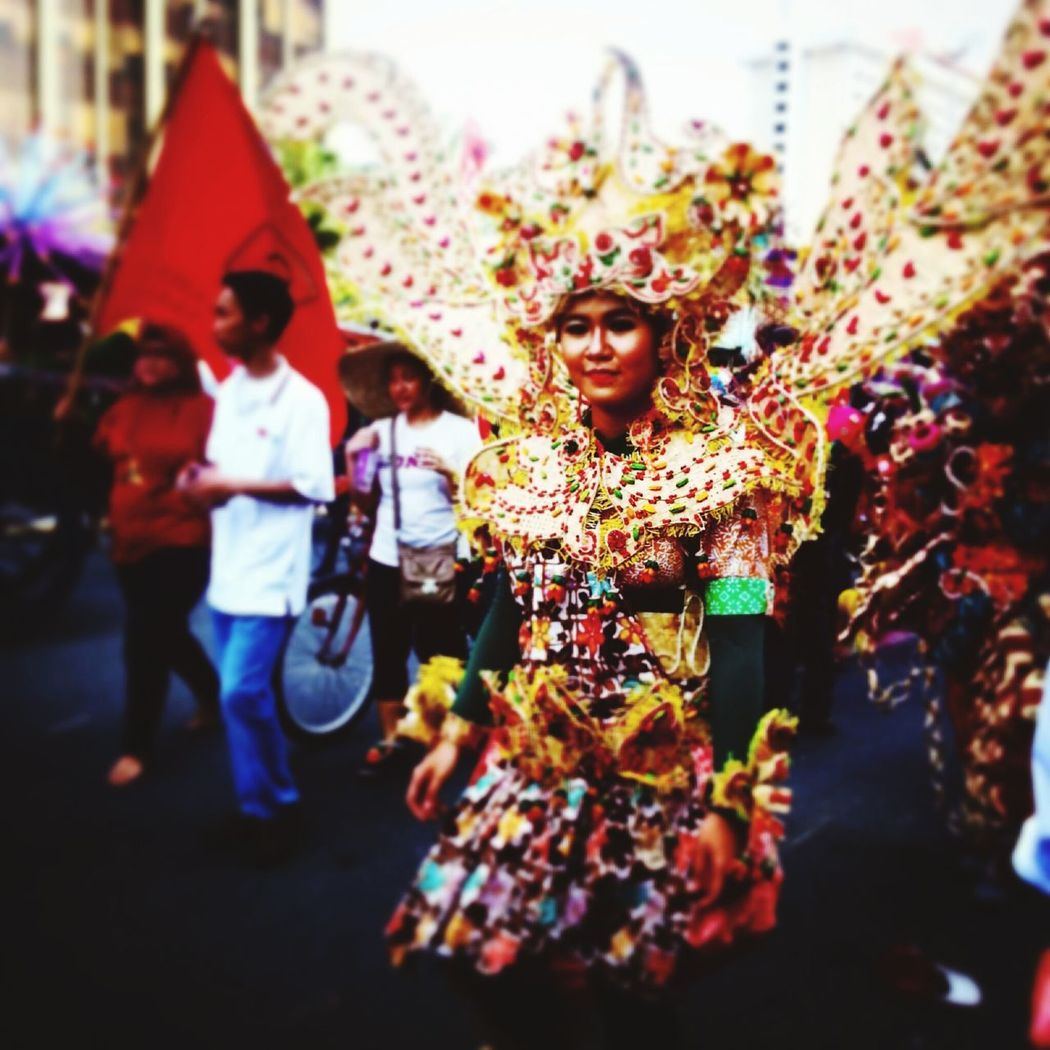 Capture The Moment Fashion Carnival on Jokowipresiden first arrival to the palace in October 2014