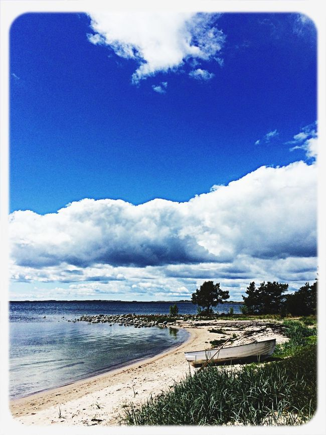Sandhamn Midsommar Blue Sky Hanging Out