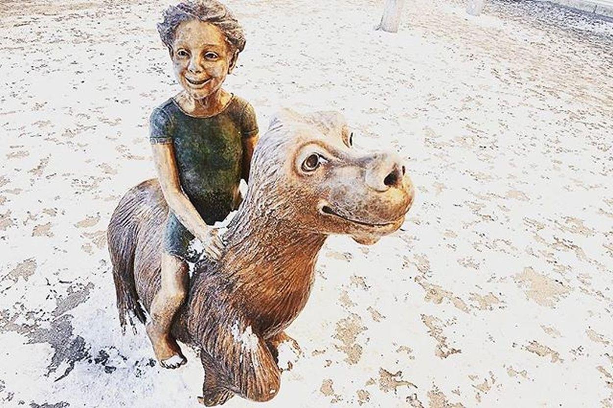 📷 🗿 Lyckodraken Statue Fuchur Fantasy Imagination Gothenburg Skulptur Streetart Streetstatus Theneverendingstory MOVIE Art Television Colorful Tagsforlikes Likes Followme Awesome Kungsportsplatsen Sweden Goteborg Staty Stad Konst Fantasi film tvseries @awesome_pixels @exaperture @gothenburg_sweden @sweden @swedenimages @goagoteborg @ilovegbg