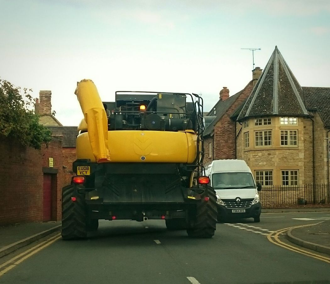 Tight Squeeze Roads Vechicles Combine Harvester Traffic Streetphotography Taking Photos Ruralphotography Rural Scenes EeYem Best Shots Farm Life Farmmachinery Heavy Equipment Heavy Machinery Towns NewHolland