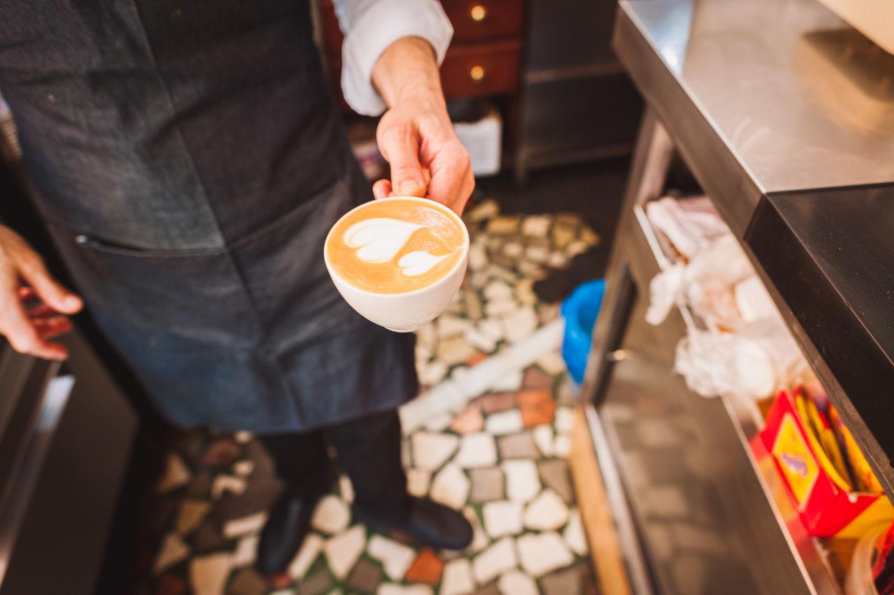 Beautiful stock photos of kaffee, 30-34 Years, Apron, Barista, Cafe