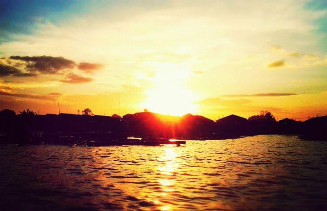 WeatherPro: Your Perfect Weather Shot Bright Sun Shine