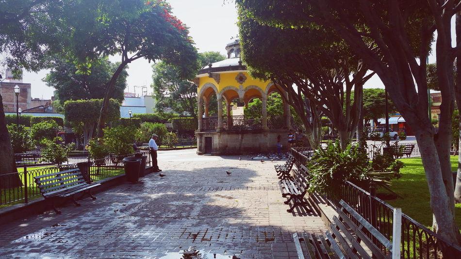 Plazuela Paseo Tlaquepaque Guadalajara Jalisco Mexico Colores MexicoTravel Park Park Bench