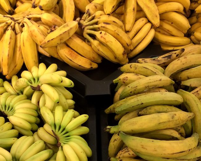 Bananas Plantains Yellow Fresh Produce Produce Fruit Grocerystore