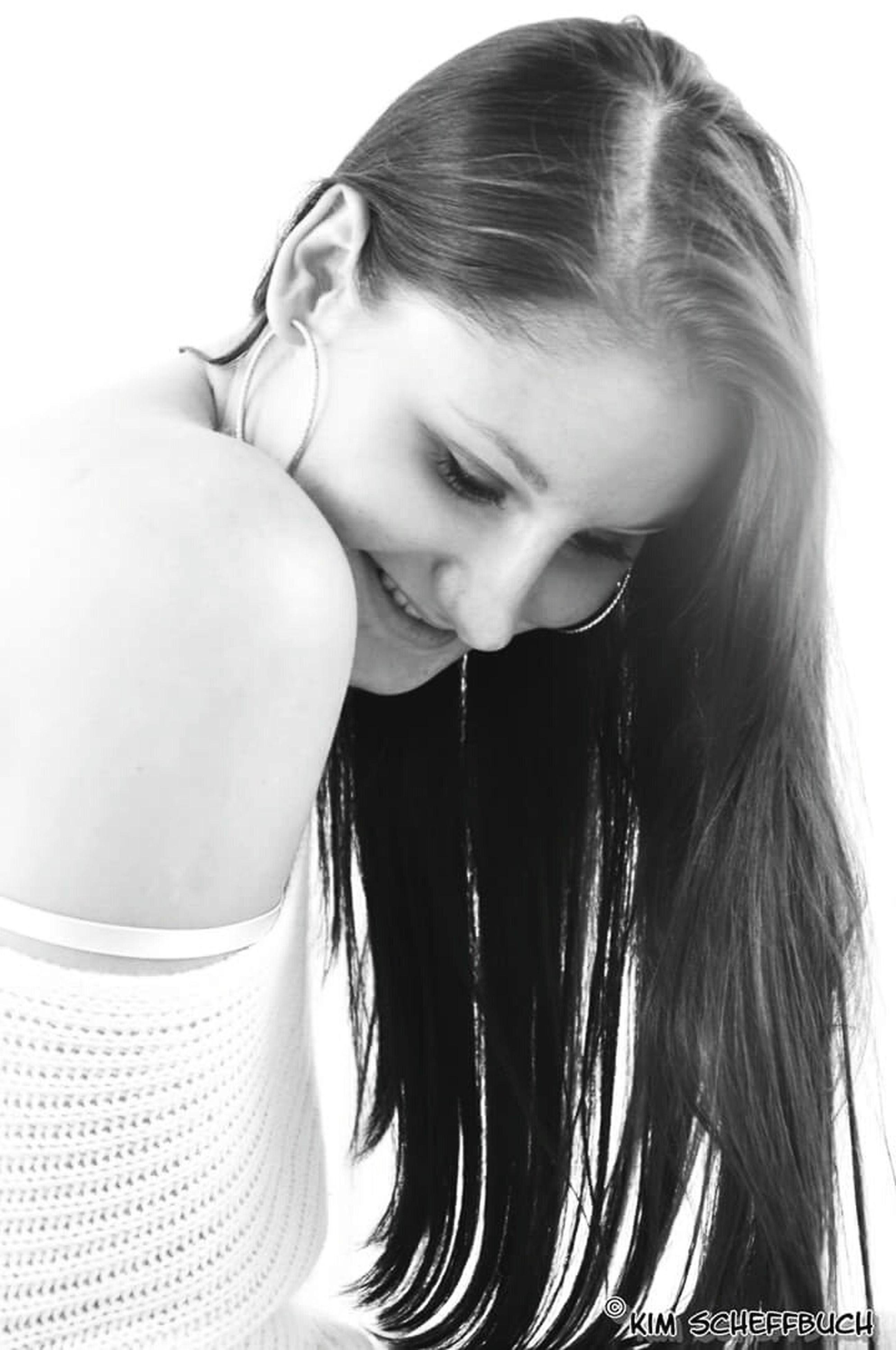 person, young adult, lifestyles, headshot, young women, front view, casual clothing, leisure activity, portrait, looking at camera, studio shot, indoors, long hair, white background, close-up, head and shoulders
