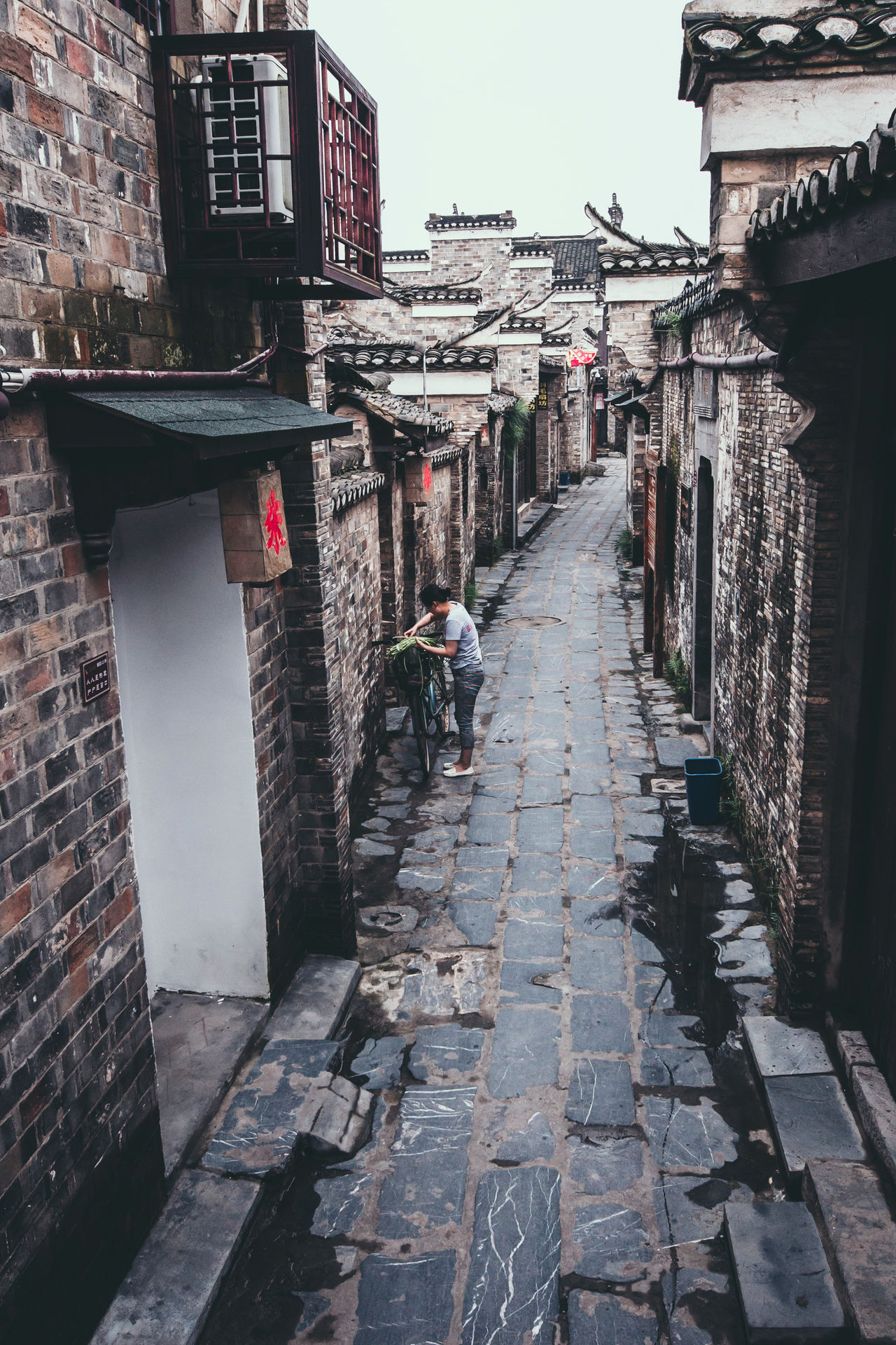 An old lane in Sanhe, Anhui, China Alley Ancient Anhui,China Architecture Classic Historic Light Morning Sky Narrow Old Town Outdoors Sanhe Tour Tourism Town TOWNSCAPE Travel Vintage Walkway