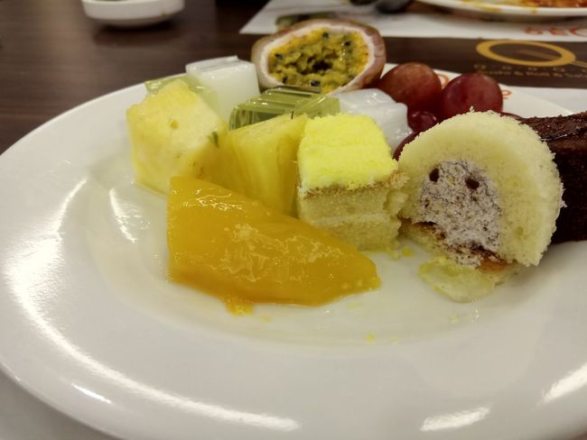 Food Food And Drink Freshness Plate Indoors  Ready-to-eat SLICE Dessert Yellow Appetizer Egg Yolk Frozen Food Sweet Food Ice Cream Close-up
