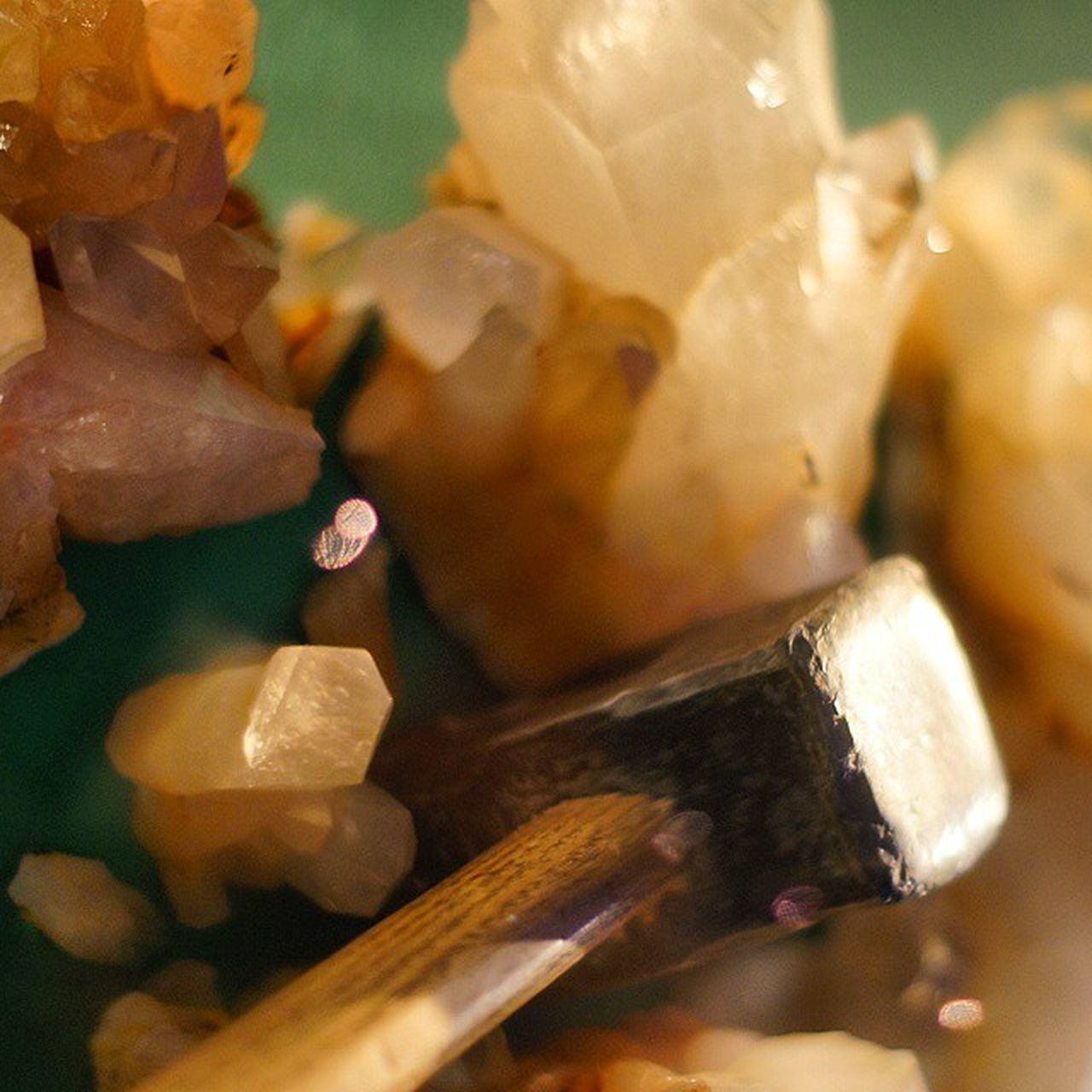 Crystals . At the Electron Microscopes Exhibition at the DeutchesMuseum museum. Taken by MY SonyAlpha Dslr A57 . münchen Munich bayarn Bavaria Germany Deutschland. متحف قسم مايكروسكوب كريستال علوم ميونخ المانيا بافاريا