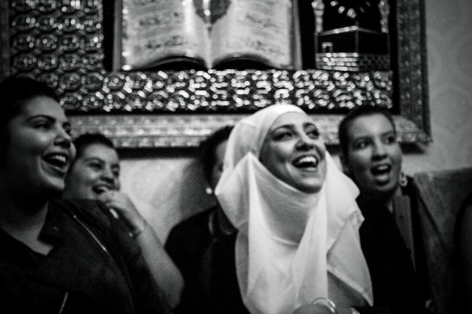 Battle of Algiers Series Algeria Arab Arabian Arabic Black & White Black And White Black And White Photography Blackandwhite Blackandwhite Photography Bw Bw_collection Happiness Lifestyles Noir Et Blanc Party People Photojournalism Reportage Smiling Women Women Around The World Women Of EyeEm Women Portraits Women Who Inspire You Young Women