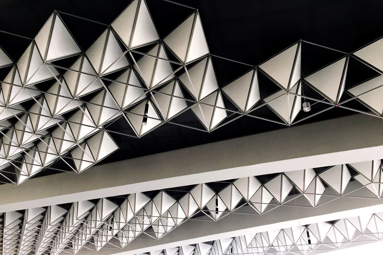Geometrics... Architecture Built Structure Triangle Shape Architectural Feature No People Zigzag Modern Day Architecture_collection Pattern Structure