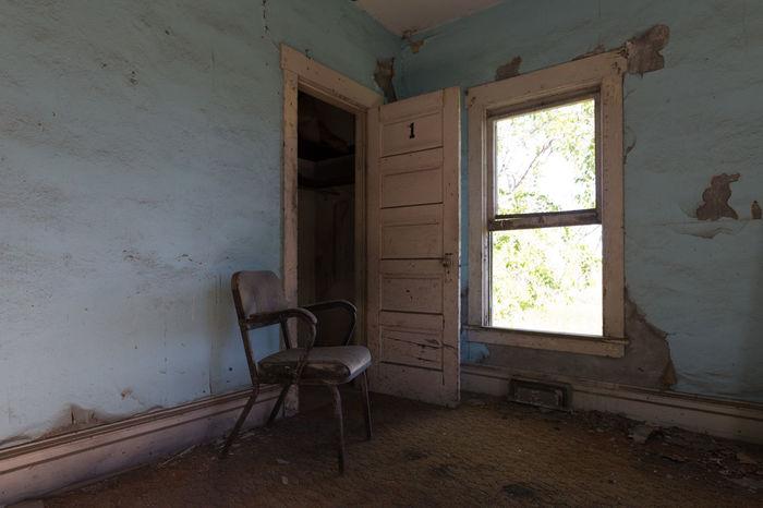 Abandoned House Window Abandoned_junkies Grime_nation Abandonedutah Chair Paint Peel
